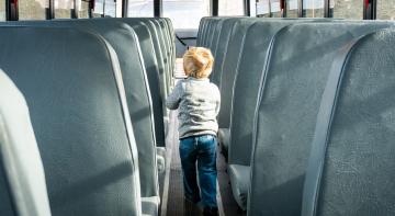 Як навчити дітей їздити у громадському транспорті?
